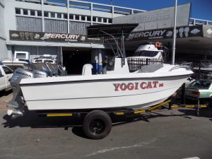 New Yogi Cat 16 ft 2016 Center Console - 2 x Pre owned 50 Hp Honda s four strokes