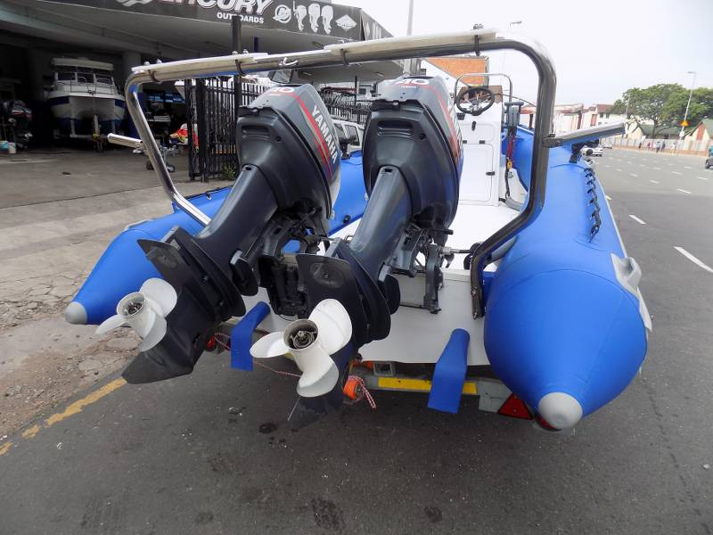 Superduck 540 mono /dive duck 2 x 40 hp yamahas electric/pull starts !!!!!!!!