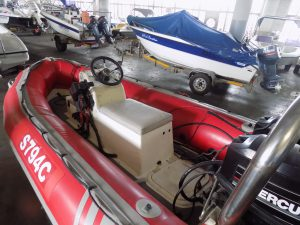 Gemini 4,2 on trailer 2 x 25 hp mercury pull starts !!!!!!!!!!!