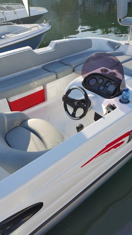 Pazazz 200 deck: 200hp Suzuki 4str Drive by wire