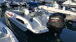 Pazazz 20ft deck boat