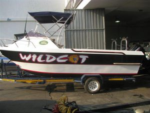 V Cat 22ft forward console