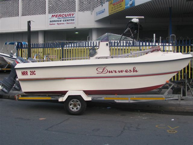 V Cat 19ft centre console